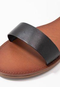 ALDO Wide Fit - WIDE FIT CAMPODORO - Sandaalit nilkkaremmillä - black - 5
