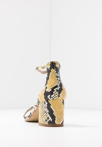 ALDO Wide Fit - WIDE FIT VILLAROSA - Sandály - other yellow - 5