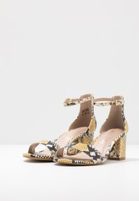 ALDO Wide Fit - WIDE FIT VILLAROSA - Sandály - other yellow - 4
