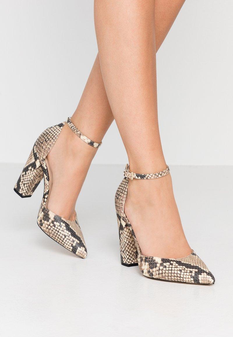 ALDO Wide Fit - WIDE FIT NICHOLES - Zapatos altos - natural