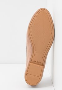 ALDO Wide Fit - WIDE FIT JOEYA - Loaferit/pistokkaat - natural