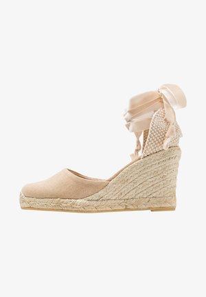 CLARA BY DAY - Sandaler med høye hæler - stone beige