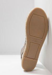 ALOHAS - GLADIATOR - Platform sandals - stone - 6