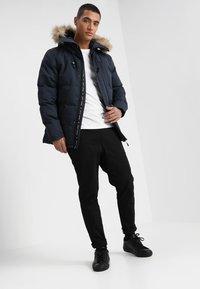 Alessandro Zavetti - OSHAWA - Winter jacket - navy - 1