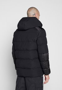 Alessandro Zavetti - ZAVETTI CANADA SALVINI PADDED JACKET - Zimní bunda - black - 2