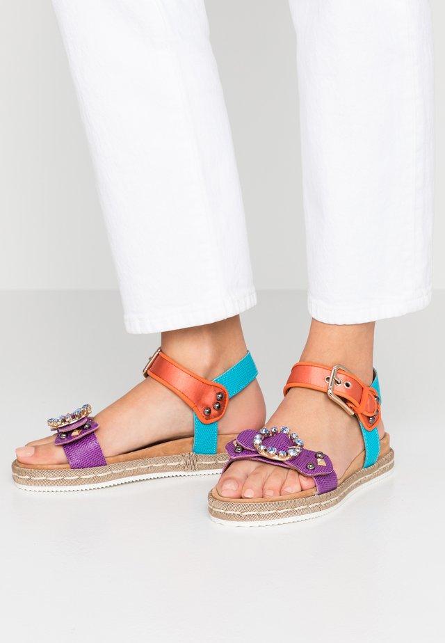 SOFFIE - Sandalen met plateauzool - lila