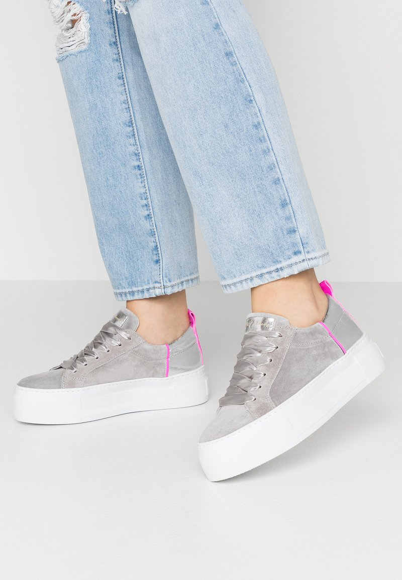 Alpe - FIRST - Trainers - light grey