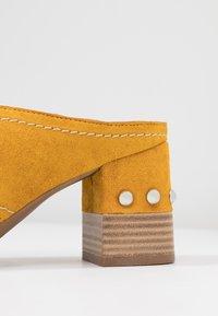 Alpe - VALERY - Pantolette hoch - gelb - 2