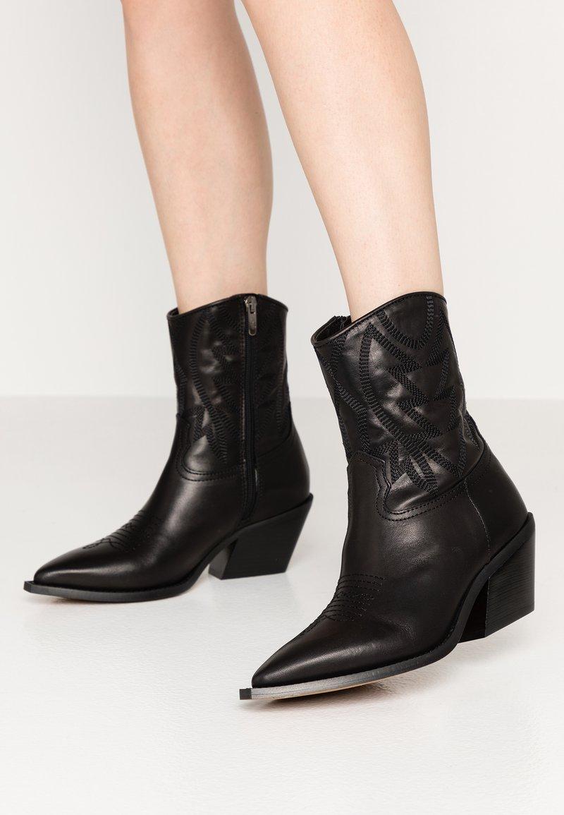 Alpe - GIVEN - Cowboy/biker ankle boot - black