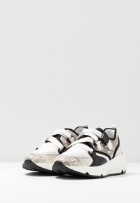 Alpe - AMELIE - Trainers - natural - 4