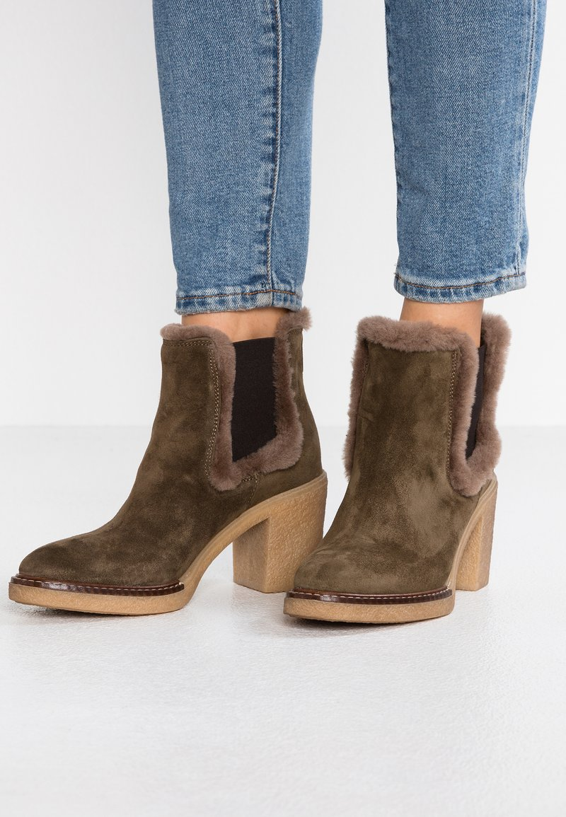 Alpe - Ankle boots - forest