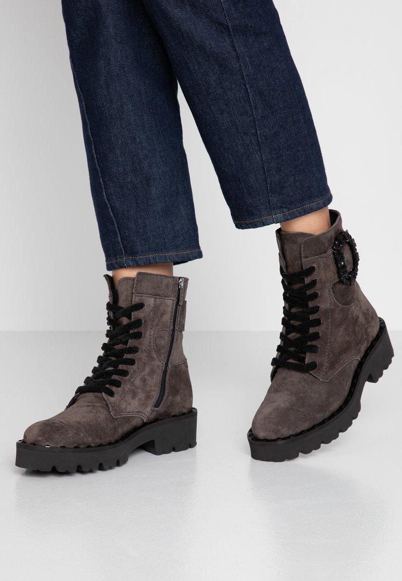 Alpe - VERONA - Platform ankle boots - iman