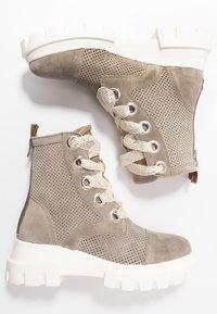 Alpe - X-LIGHT - Platform ankle boots - kaky - 3