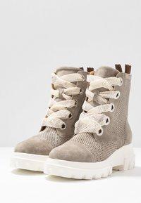 Alpe - X-LIGHT - Platform ankle boots - kaky - 4