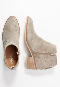 Alpe - NELLY - Ankle boots - kaky - 3