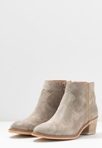 Alpe - NELLY - Ankle boots - kaky - 4