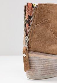 Alpe - NELLY - Kotníková obuv - brown - 2