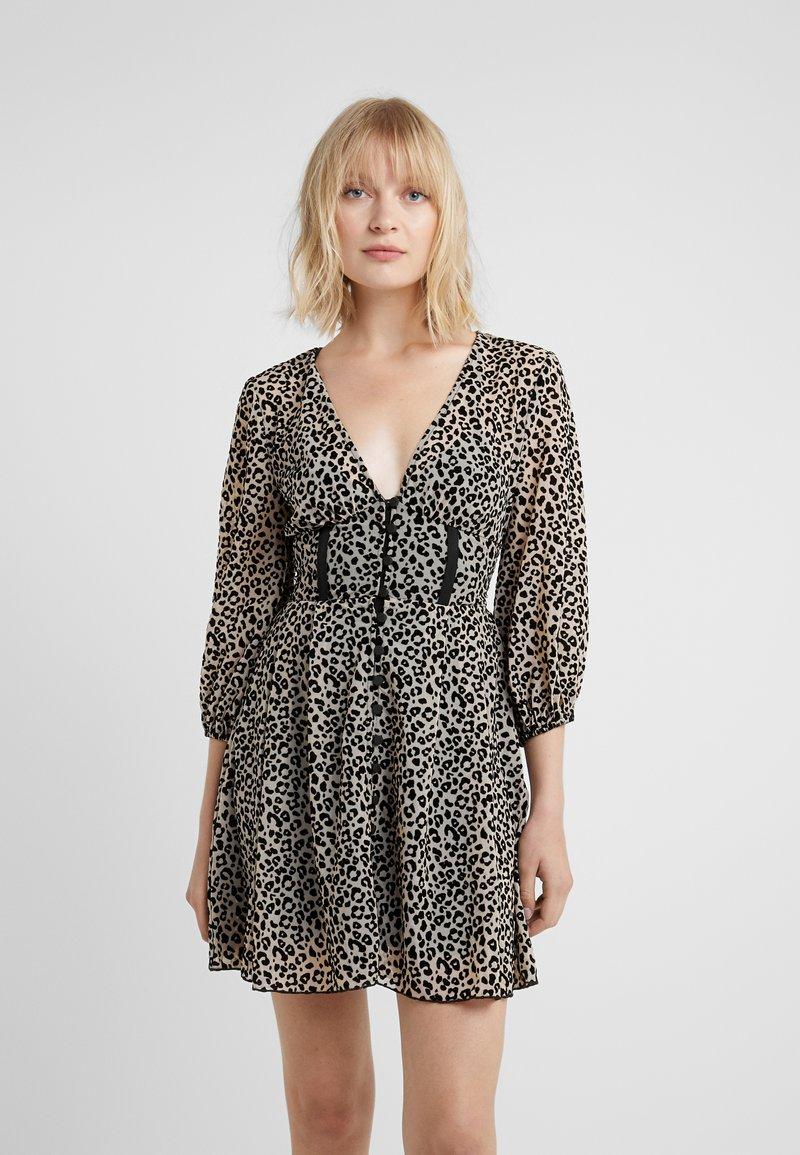 Allen Schwartz - BECKY DRESS  - Vestido informal - leopard