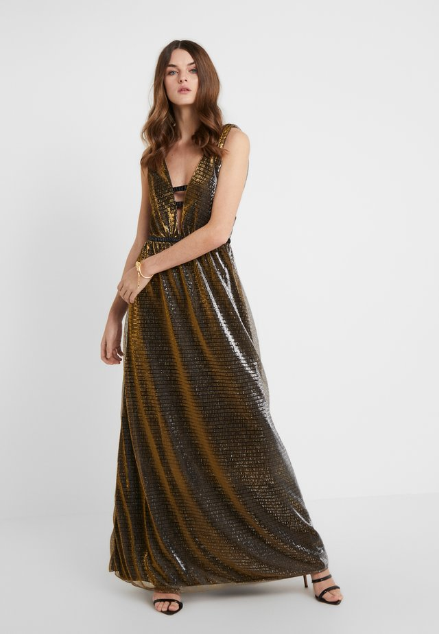 ZOZA DEEP V MAXI DRESS IN CRINKLE METALLIC  - Galajurk - bronze