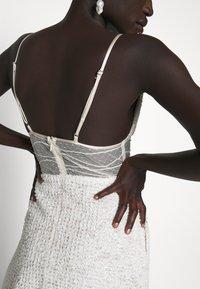 Allen Schwartz - BELLA DEEP V DRESS - Vestito elegante - vintage vanilla - 4