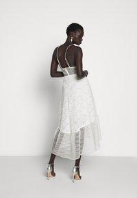 Allen Schwartz - BELLA DEEP V DRESS - Vestito elegante - vintage vanilla - 2