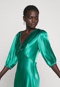 Allen Schwartz - LOUISE DEEP V DRESS HEM - Cocktail dress / Party dress - jade - 6
