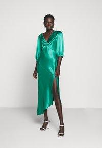 Allen Schwartz - LOUISE DEEP V DRESS HEM - Cocktail dress / Party dress - jade - 0
