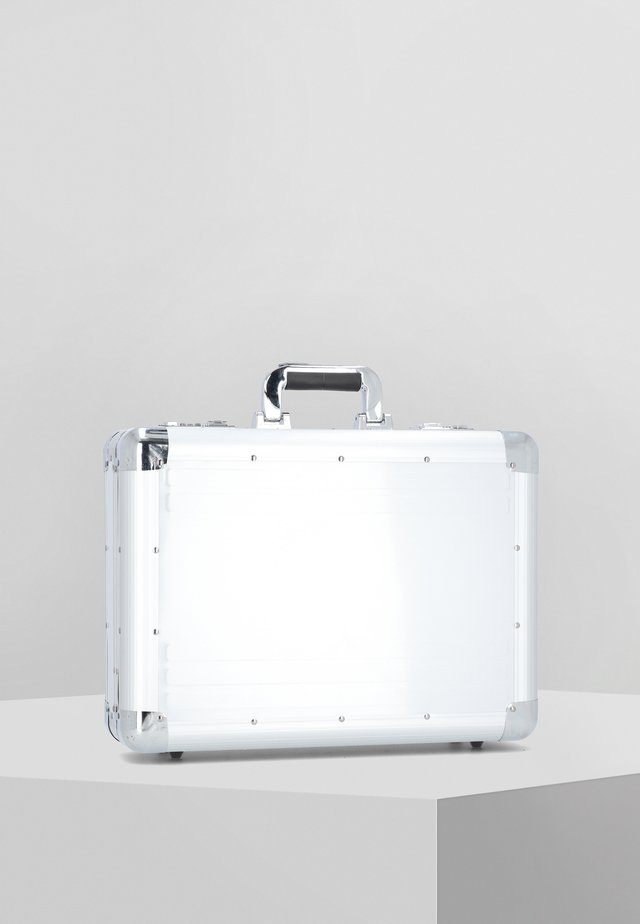 Briefcase - silver