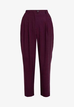 NALASTATE - Spodnie materiałowe - violett