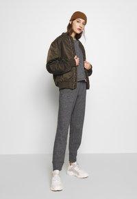 American Vintage - POMITREE - Teplákové kalhoty - anthracite chine - 1