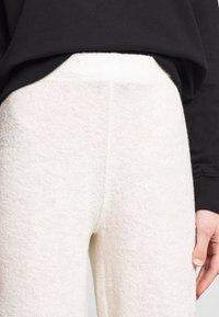 American Vintage - OKIBAY - Pantaloni - off-white - 4