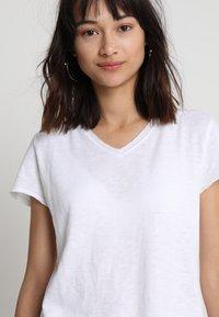 American Vintage - SONOMA V NECK TEE - T-shirt basic - white - 4