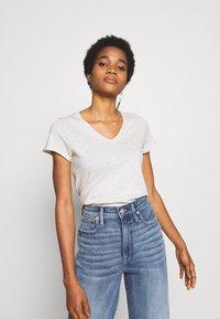 American Vintage - SONOMA V NECK TEE - T-shirt basic - polaire chine - 0