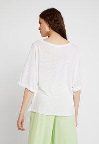 American Vintage - LOLOSISTER - T-shirt z nadrukiem - blanc - 2