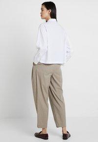 American Vintage - PIZABAY LONG SLEEVE - Koszula - blanc - 2