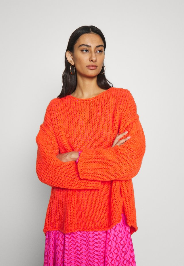 PIUROAD - Strickpullover - orange