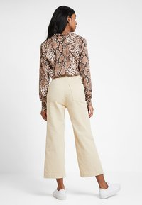 American Vintage - TOMA - Jeans relaxed fit - beige - 2