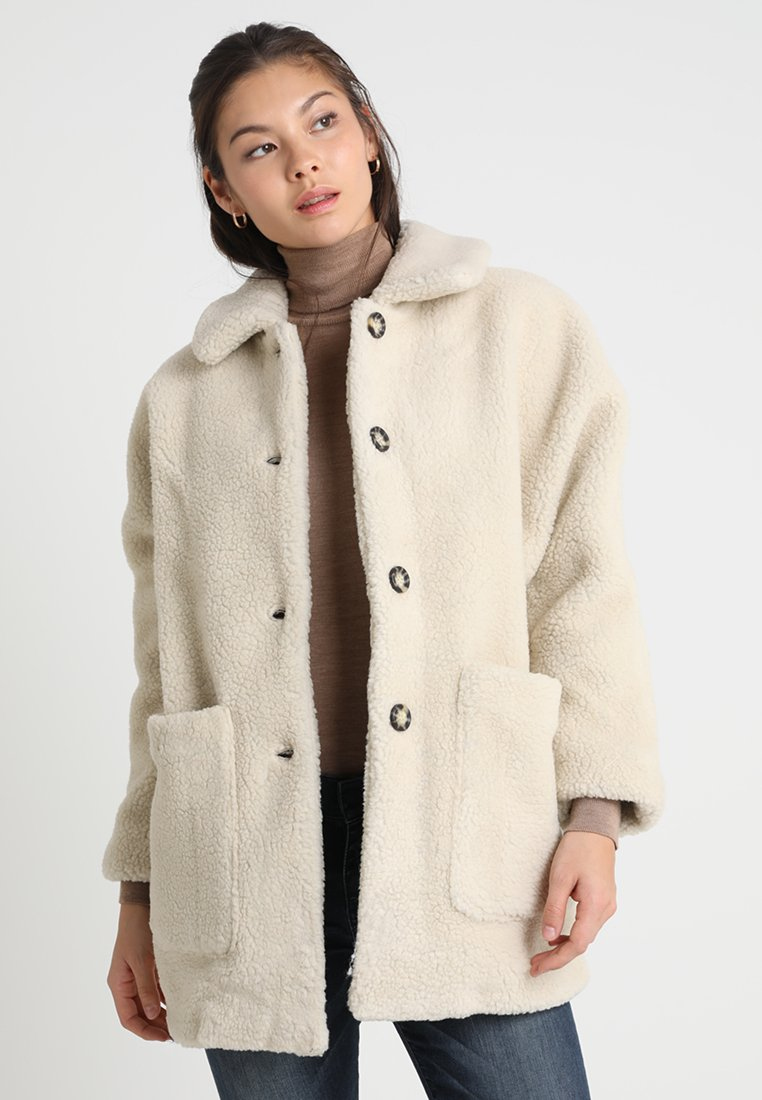 American Vintage - PATIDOLE MIDLENGTH TEDDY COAT - Short coat - ecru