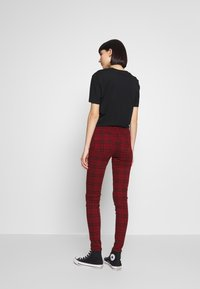 American Eagle - HIGH RISE JEGGING - Kalhoty - red - 2