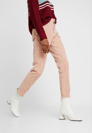 MOM JEAN - Pantaloni - pink