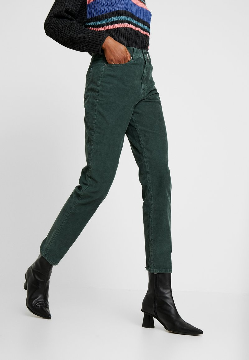 American Eagle - MOM JEAN - Bukser - willow green