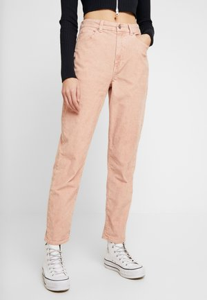 CURVY - Spodnie materiałowe - pink