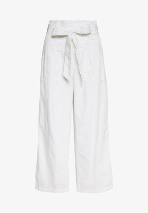 PAPERBAG WIDE LEG PANTS - Tygbyxor - white