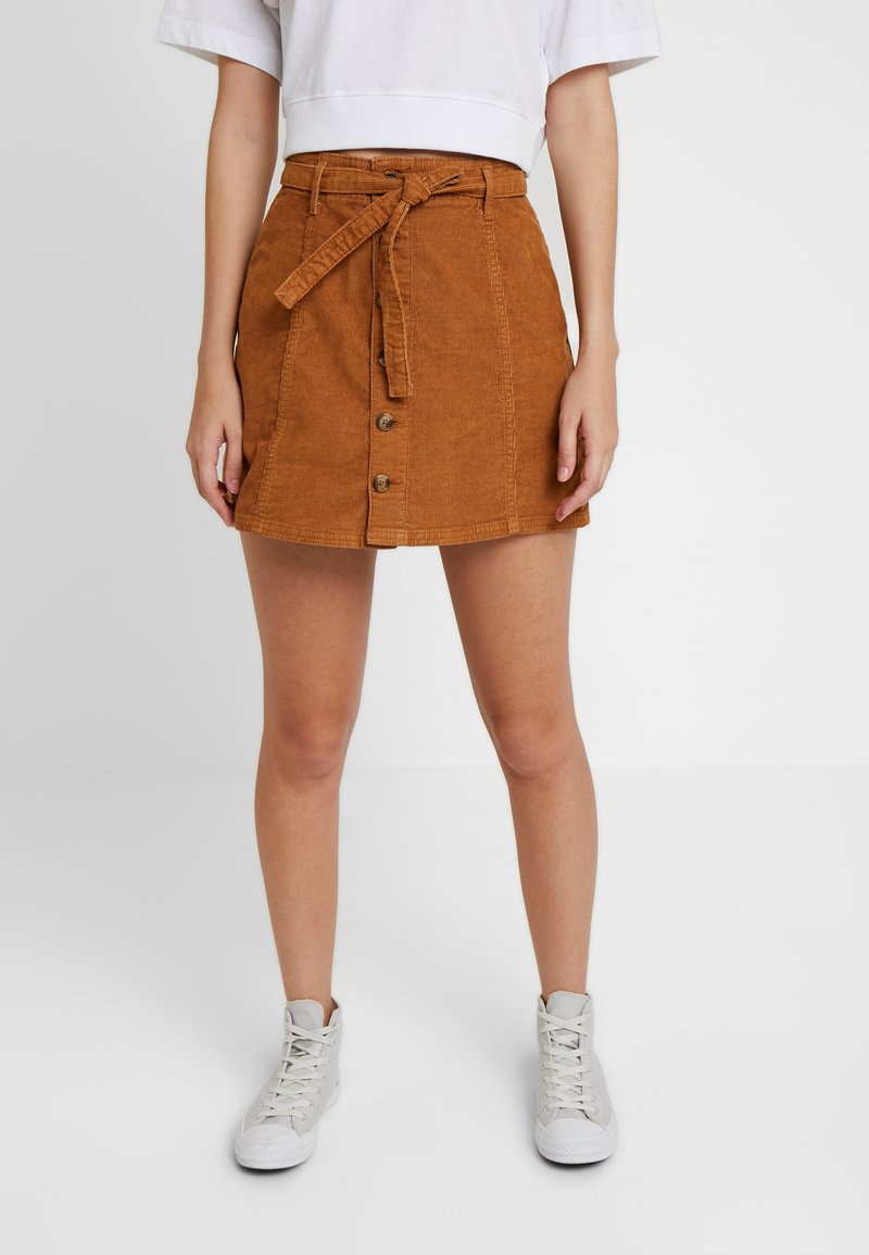 American Eagle - ALINE SKIRT WITH EXPOSED BUTTON - Minirok - chestnut