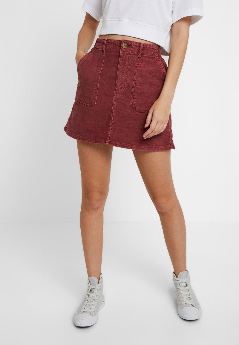 American Eagle - ALINE SKIRT - Mini skirt - berry
