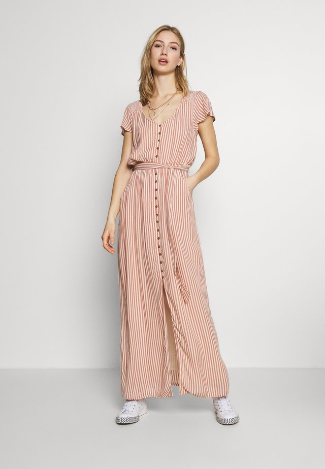 PLACKET FRONT BELTED MAXI - Vestido largo - rust