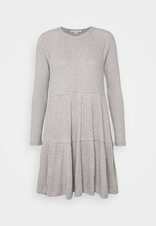 TIERED BABYDOLL PLUSH DRESS - Korte jurk - haze grey
