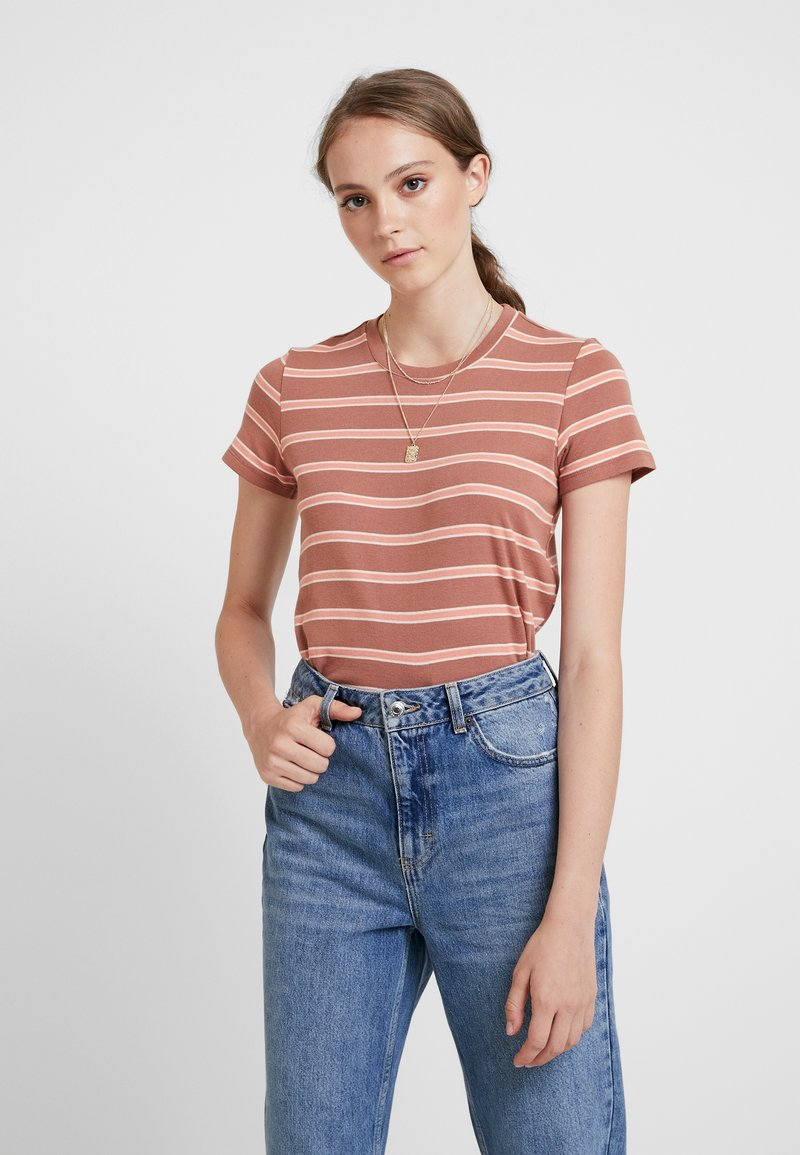 American Eagle - CREW BOY TEE FAVORITE STRIPES STORMI - T-Shirt print - brown