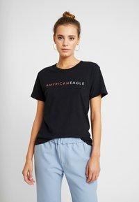 American Eagle - LOGO TEE - Camiseta estampada - black - 0