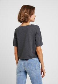 American Eagle - BOXY CROP TEE WASH - T-shirts - light gray - 2